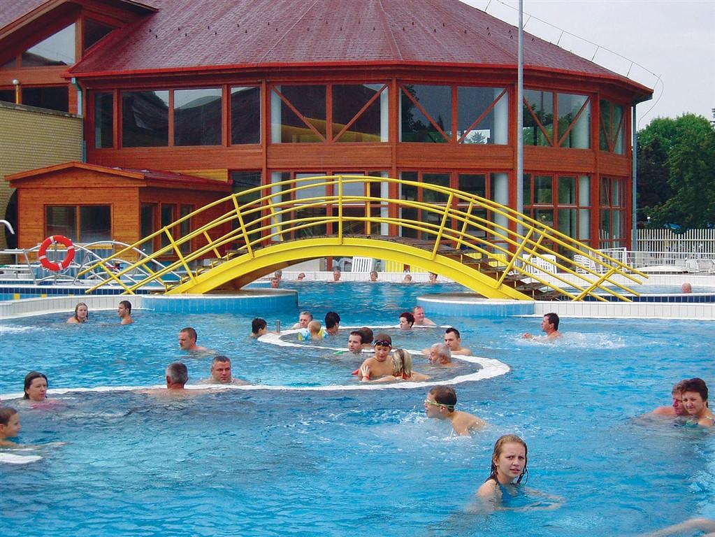 termální lázně - Maďarsko, Zalakaros - venkovní bazény termálních lázní